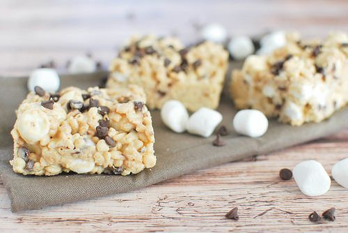 A copycat Rocky Mountain Chocolate Factory recipe for Avalanche Bars.