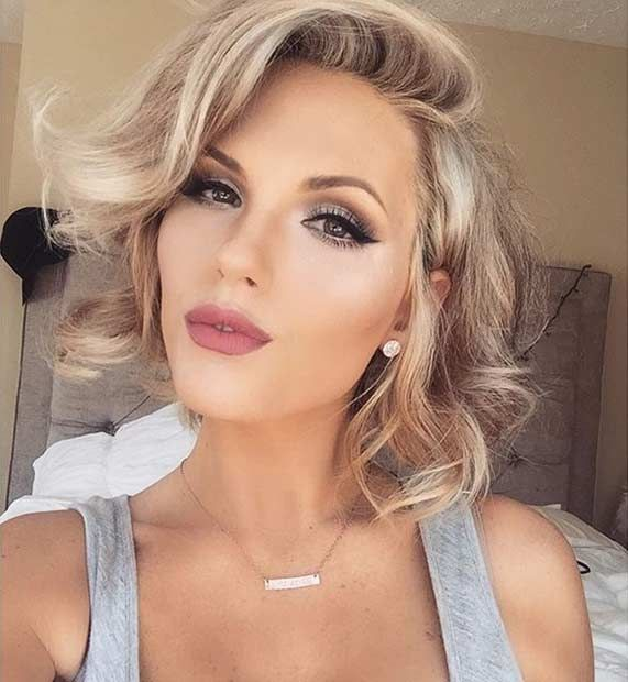 Curly, Beige Blonde Bob Hairstyle