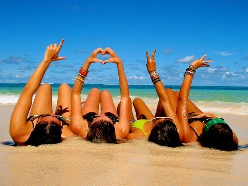 @Emily Rice @Kayla Coburn @Sarah Mazzei & I willllll do this at the beach this summer <3