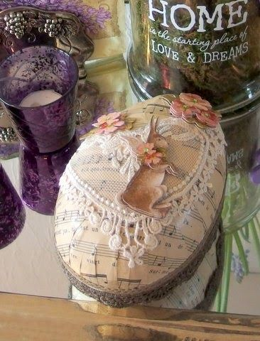 Moski- hand decorated easter egg with lace and paper easter bunny