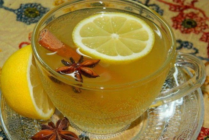 Horký jablečný nápoj s badyánem a citronem | NejRecept.cz