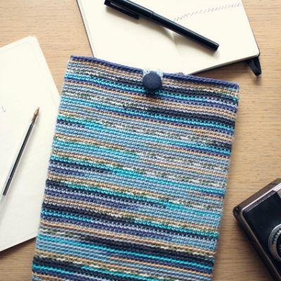 Crochet an iPad Sleeve in Self-Striping Yarn...excellent step by step tutorial. #Crochet #IPADCover #FreeCrochetPattern