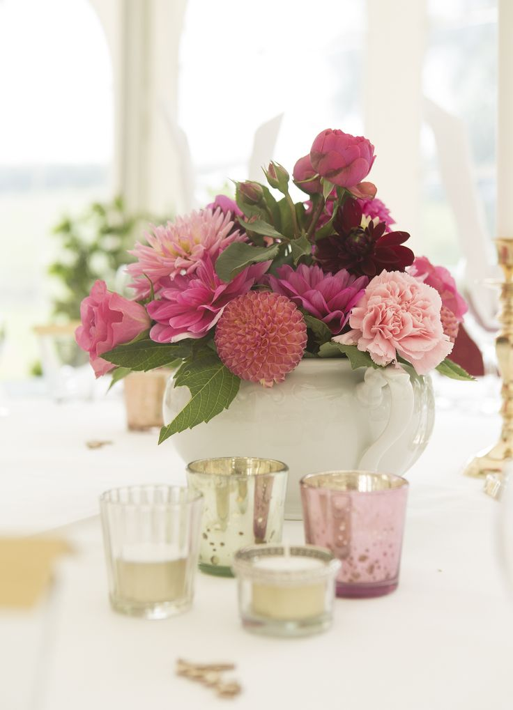 Centerpiece and decorations. Photo: Sine Perrod