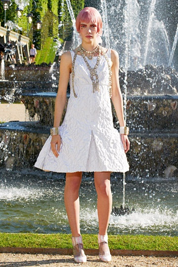 Chanel Resort 2013 // little white dress with flared wide pleat hem: Spring Summer, Spring 2013, Fashion Spring, Pre Spring, 2013 Collection, Chanel Cruise, Cruise 2013, Chanel Resort