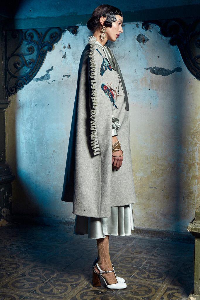 dbol-design by oana lupas fashion designer autumn winter 2016-2017 collection47Filedbol-design by oana lupas fashion designer autumn winter 2016-2017 collection