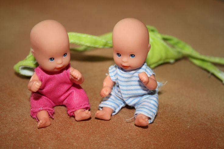 Zwillinge für die Barbie, Baby, Junge und Mädchen, mit Tragegurt