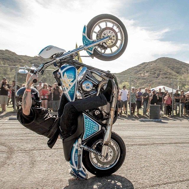 STURGIS BIKE WEEK 2015 : un million de bikers et DYNA / FXR à l'honneur | Tatoué…