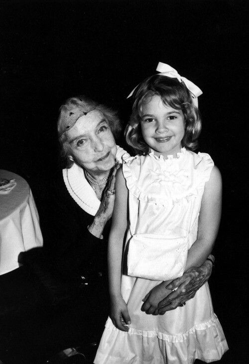 Lillian Gish with Drew Barrymore                              …