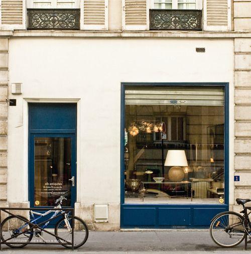 makes me think of Paris... http://www.simplyseleta.com/page/13/