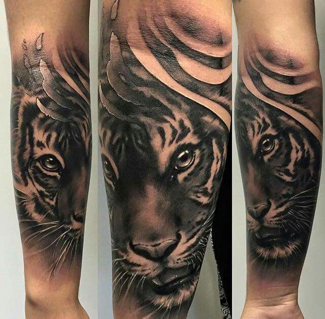 tijger tattoo pinterest tattoo ideen l win und katzen. Black Bedroom Furniture Sets. Home Design Ideas