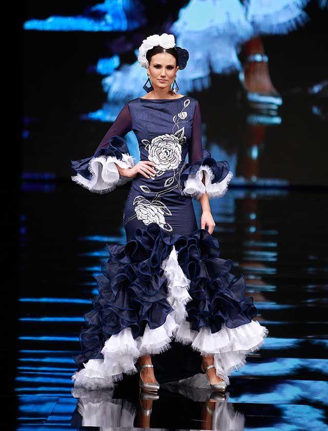 Su colección «La Maharaní de Kapurthala» está inspirada en la bailarina malageña Anita Delgado, que fusionó en su vida los estilos flamenco, hindú y parisino de principios del siglo XX ( J. M. Serrano / Raúl Doblado)