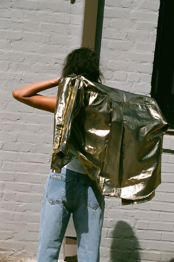 INSPIRATION | Gold leather and boyfriend jeans = YES.