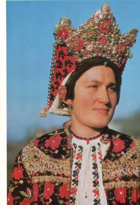 """Baranja © Monografija """"Narodne nošnje Hrvatske"""""""