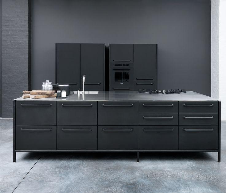 VIPP _ cool modern black kitchen island