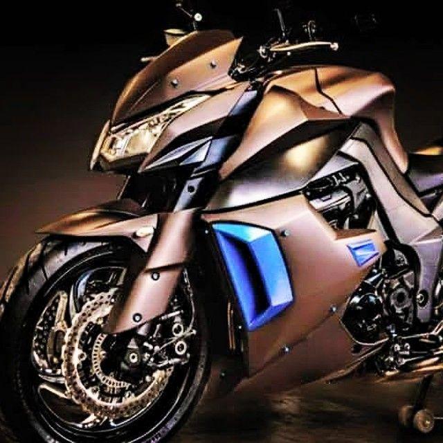 Kawasaki Z1000 …