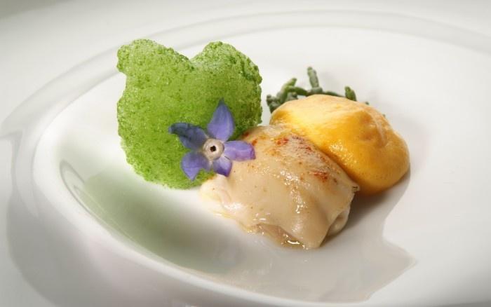 ostriche alla griglia su crema di zucca e aria di prezzemolo by Heinz Beck http://heinzbeck.com/visions