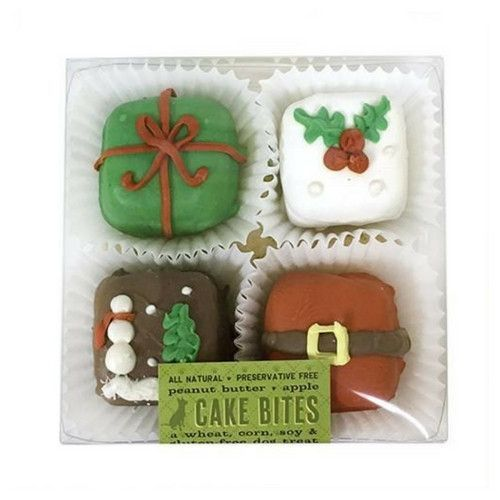 This Christmas Cake Bites Box by Bubba Rose Biscuit Company contain four tasty gourmet dog cake bite treats — two each gingerbread men and Christmas tree shapes. Ingredients: organic oat flour, organi                                                                                                                                                                                 More