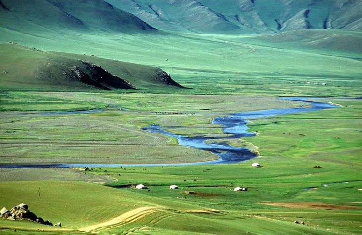 Golden desert sand, brilliant blue skies, lush green land, dusty urban life, ornate traditional dress, pure white snow, chestnut and ebony wild horses – Mongolia has such a stunning and distinct colour palette.