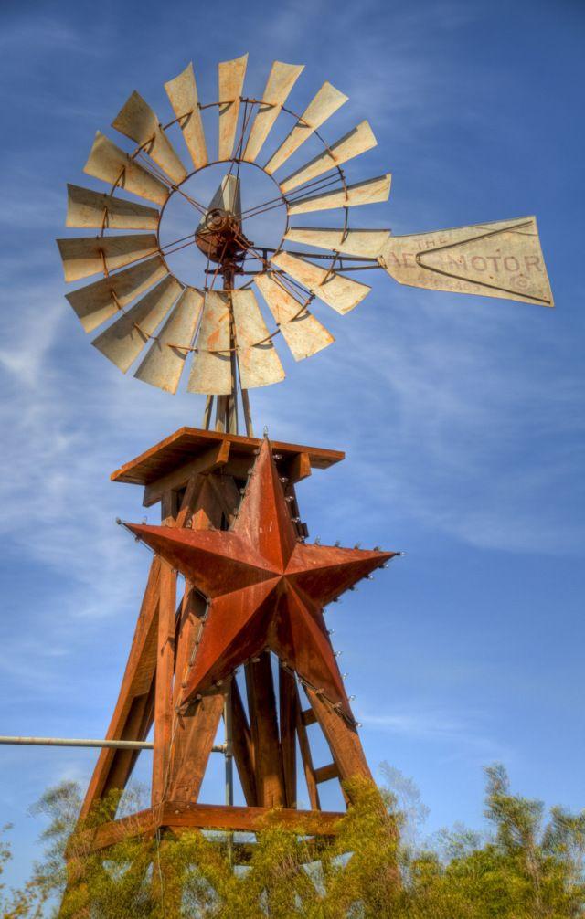 Fredricksburg, Texas – Windmill