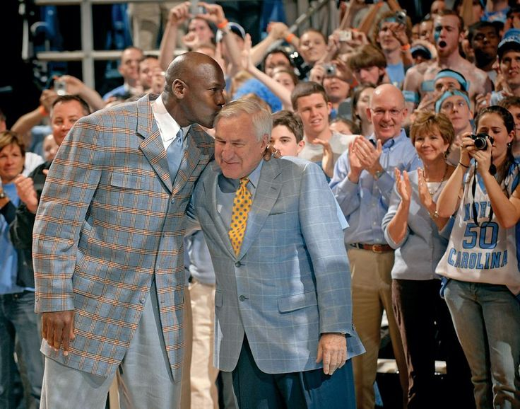 North Carolina coaching legend Dean Smith dies at 83 - http://www.usatoday.com/story/sports/ncaab/2015/02/08/dean-smith-dies-north-carolina/23075423/