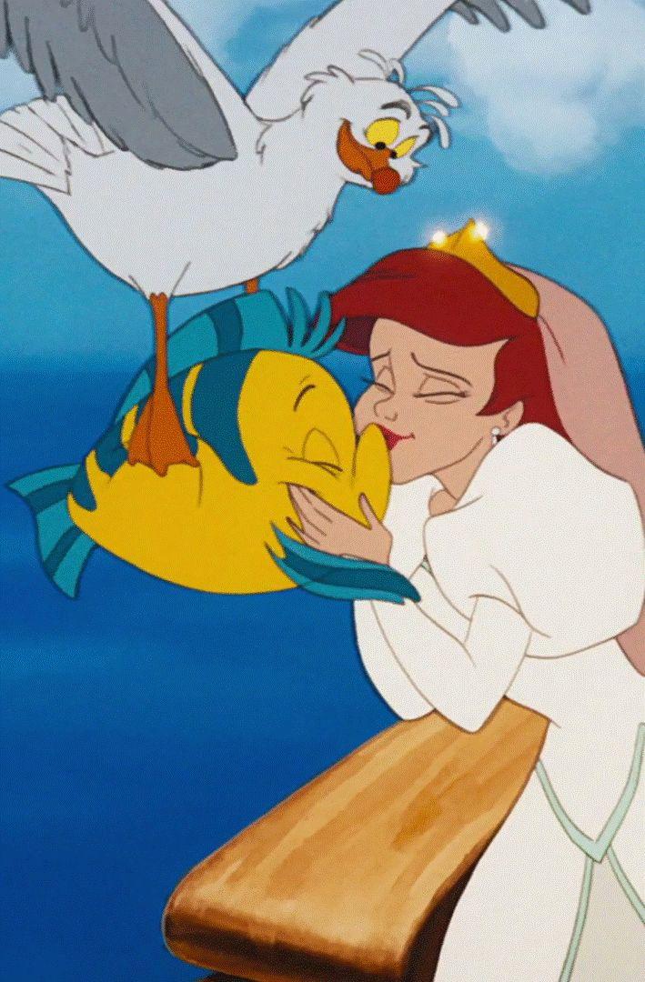 The Little Mermaid - Ariel kissing Flounder