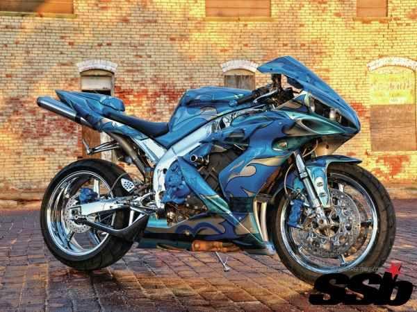2005 Yamaha R1 | Small Town Smarts | Super Streetbike