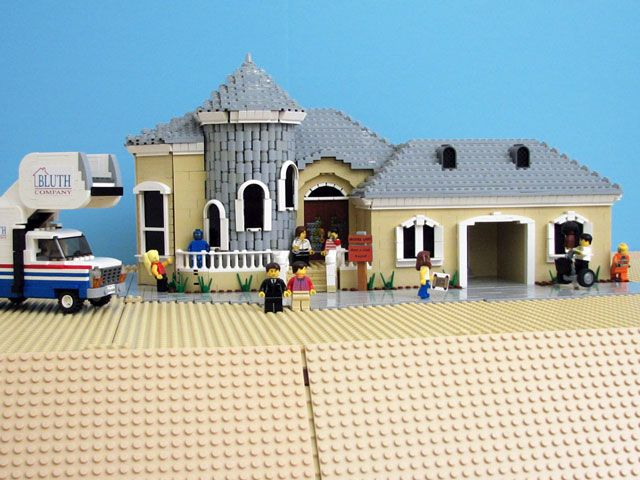 Even Prematurely-Cancelled Fox Shows are Better in Lego! : Set of Arrested Development : Matt De Lanoy