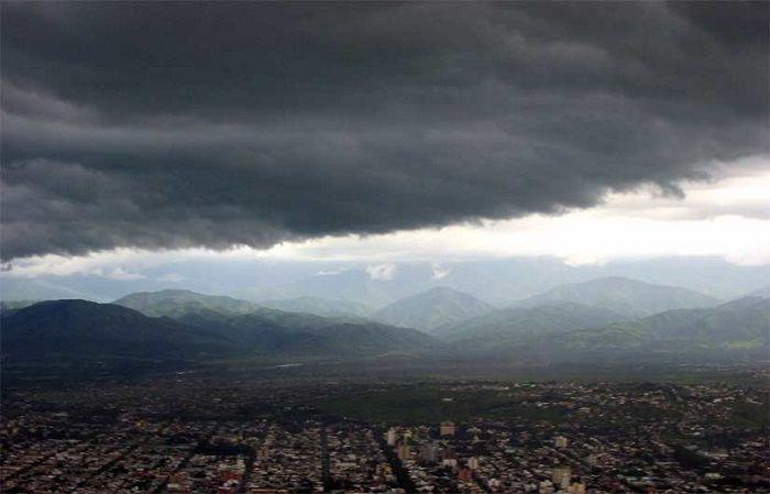 Salí con paraguas porque anunciaron tormentas fuertes: La mañana comenzará con chaparrones aislados en toda la provincia y descenso de…