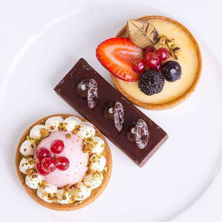 These delicious treats are just a taste of what you expect to enjoy in Queen Mary 2's new Carinthia Lounge. A tranquil retreat by day the serene lounge will provide the perfect place to relax and catch up with friends. #QM2Remastered by cunardline