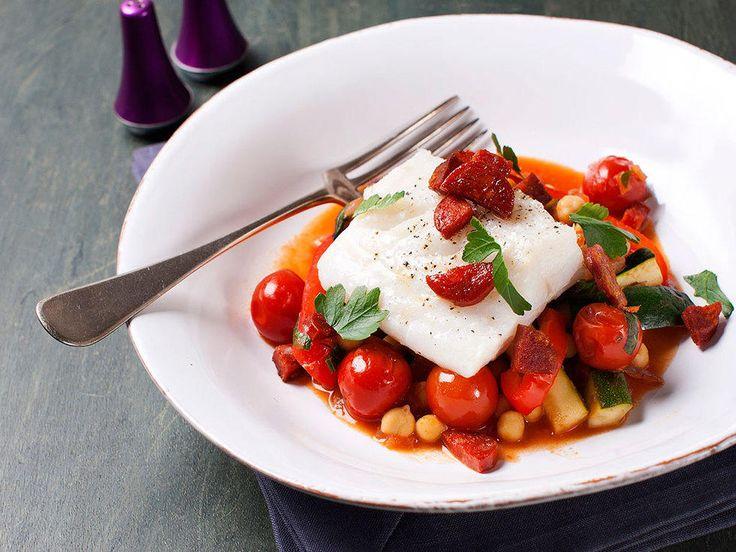 Ovnsstekt torsk med kikerter og chorizo - Smaksrik, sunn og lekker fiskemiddag!