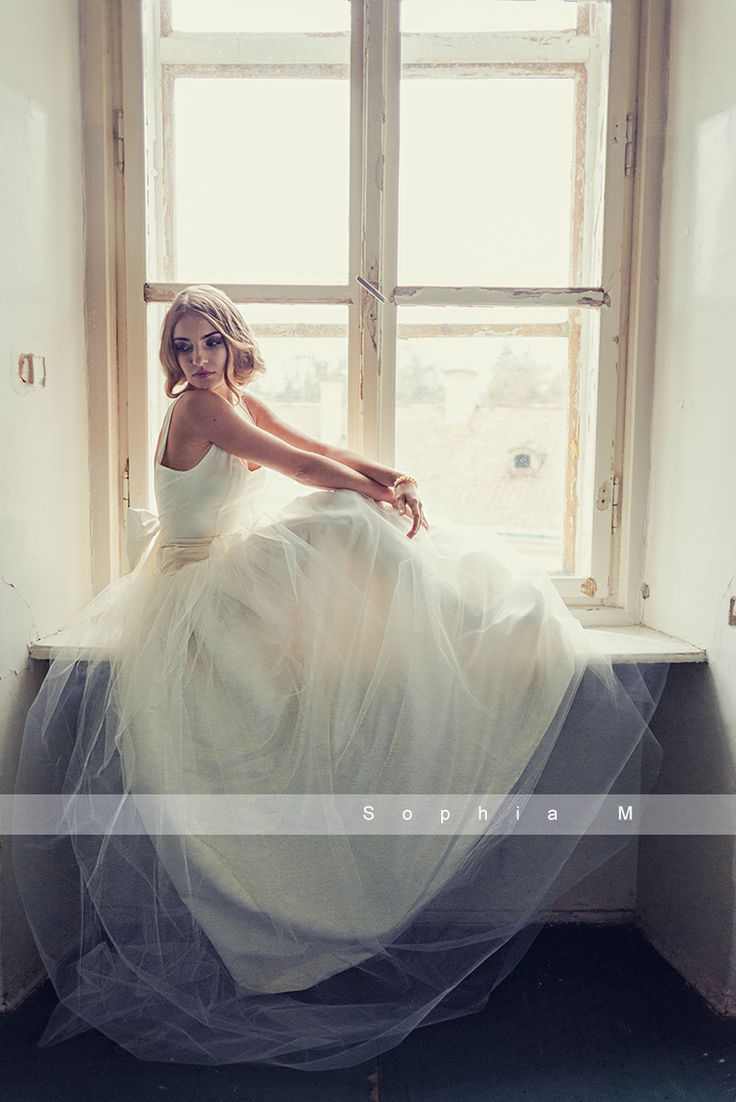 AMÉLIE wedding dress by Sophia M. Events   https://www.facebook.com/sophiamevents https://www.etsy.com/shop/SophiaMEvents  Photo: Charlotte Blog