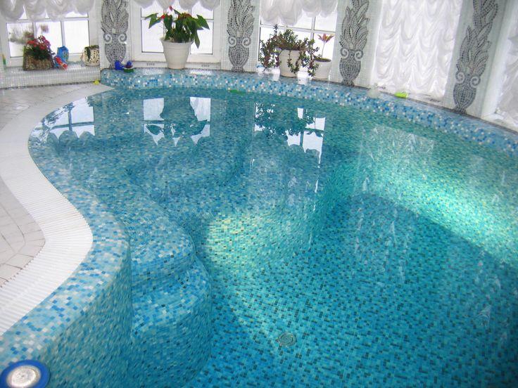 Мозаичный декор домашнего бассейна