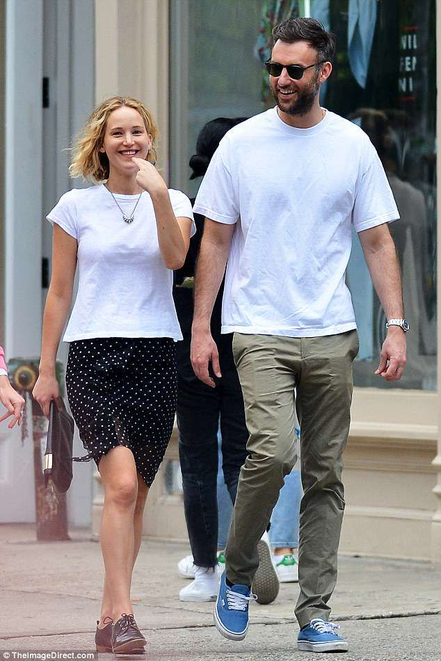 Jennifer Lawrence And Cooke Maroney Enjoy Romantic Date In