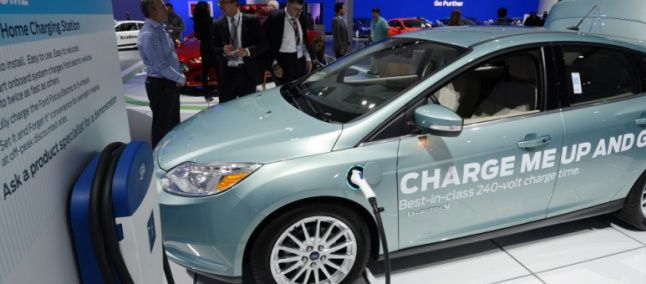 Ford electric car has battery charged in 30 minutes -  ##electriccars ##focuselectric ##ford ##fordelectric