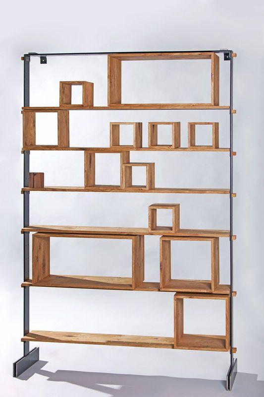 Legno al Cubo è la libreria versatile design by Miranda Morico ed eseguita dalla Semprelegno in occasione del Milan Design Week 2016 ed esposta per il Fuorisalone.