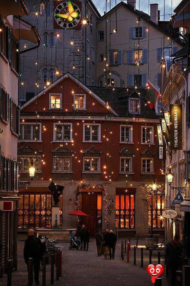 Zurich Switzerland Br In 2020 Christmas Lights Zurich Old Town