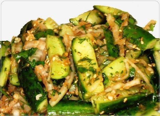 Острые огурцы по корейски Острые огурцы по корейски — это бесподобно вкусный, в меру острый салат из огурцов, рекомендую – проверенный, очень простой и доступный рецепт приготовления в домашн…