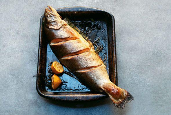 Run, salmon, run. (cuz I gotta a big knife and you're dinner.)  Roasted Salmon with Dill Sauce