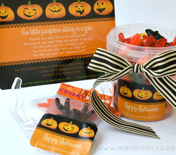 Personalise your Halloween this year - send out Greeting cards, label your treat packs and containers with personalised Halloween greetings from the whole family http://www.macaroon.co/macaroon/content/en/macaroon/halloween