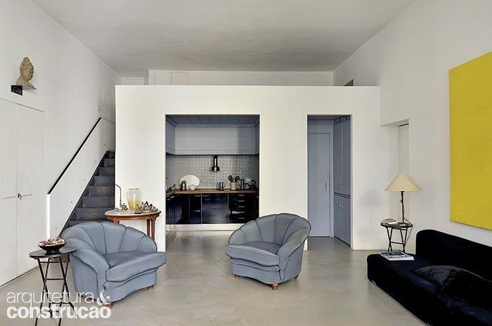 Revista Arquitetura e Construção - Reforma adaptou 180 m² para artista e professor de ioga morar e trabalhar