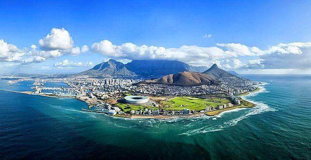 Birleşik Krallık Bilim Laboratuvarı'na göre dünyanın en mavi gökyüzü Cape Town'da bulunuyor.