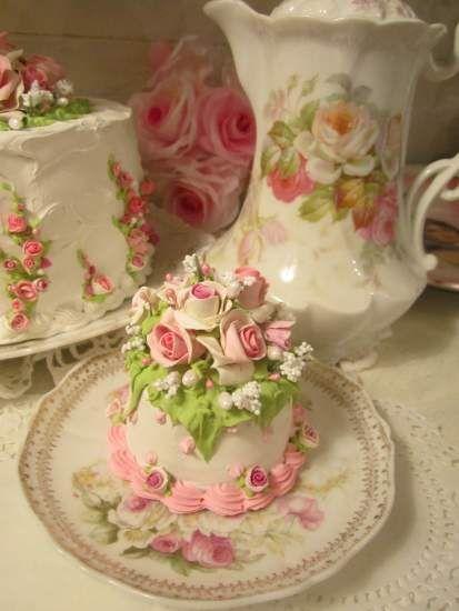 pink white shabby roses faux cake from rhonda 39 s rose cottage designs. Black Bedroom Furniture Sets. Home Design Ideas