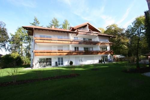 Ferienwohnung Timmesfeld Oberstdorf Set in Oberstdorf, this apartment features a balcony. Guests benefit from free WiFi and private parking available on site.  The kitchenette comes with a dishwasher, an oven and a microwave, as well as a coffee machine.