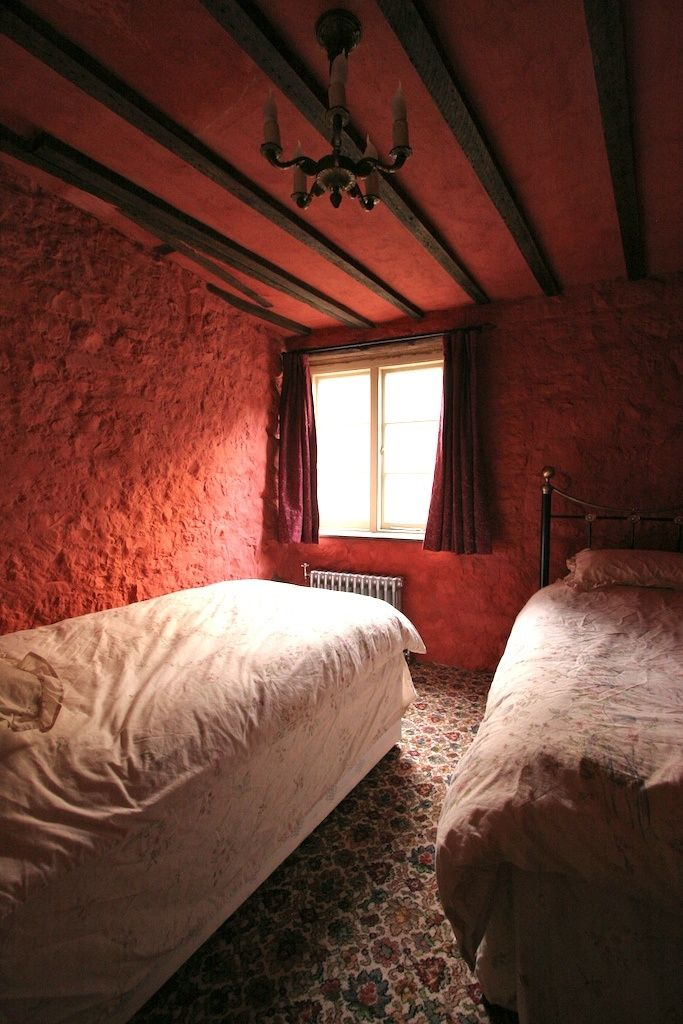 medieval bedrooms | Medieval Bedrooms - Llanthony Secunda Manor