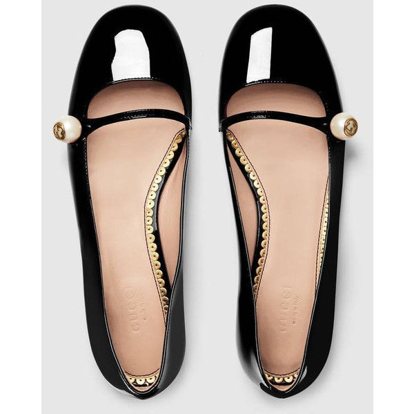 Gucci Patent Leather Ballet Flat ($460) ❤ liked on Polyvore featuring shoes, flats, ballet flats, black mary jane flats, t-strap flats, black ballet shoes and strappy flats
