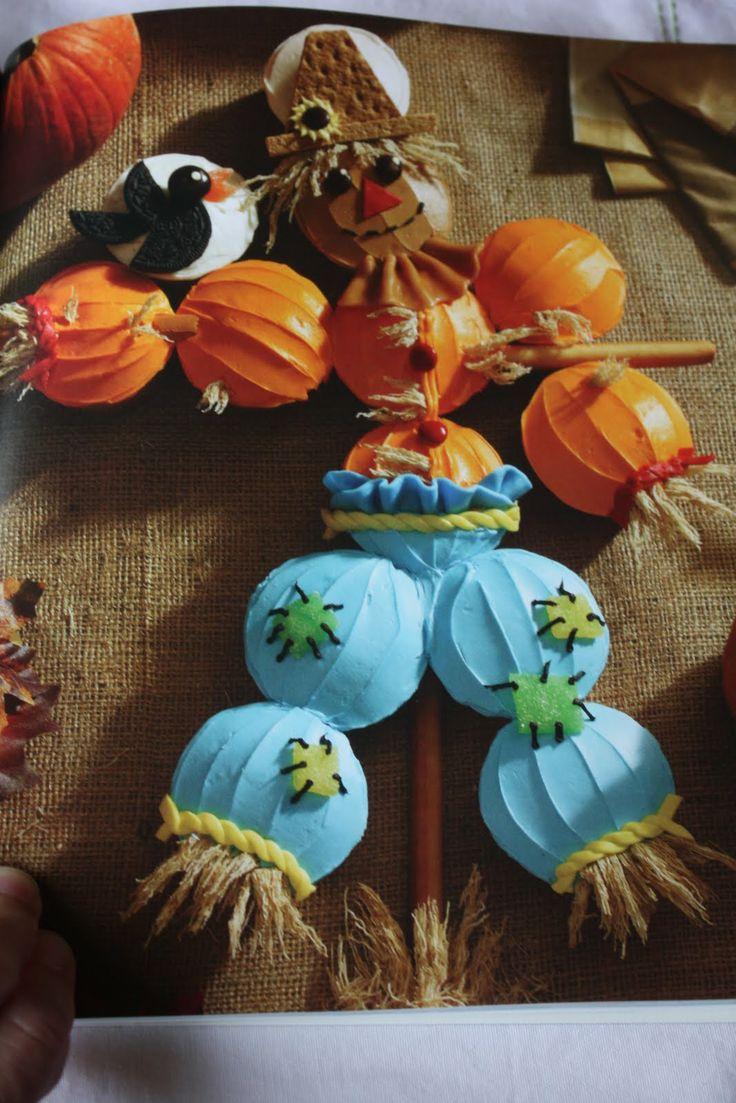 Scarecrow Cupcakes CakeCupcakes Cake, Ideas, Cupcakes Shape Cake, Cake Cupcakes, Cupcakes Scarecrows, Fall And Halloween Cupcakes, Cupcakes Recipe, Cupcake Cakes, Scarecrows Cupcakes