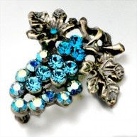 Use a brooch to accessorize your favorite outfit or spice up apparel that just needs some extra kick. The Pugster A bunch of March birthstone grapes Brooch is fashion. This Pugster brooch is perfect t...