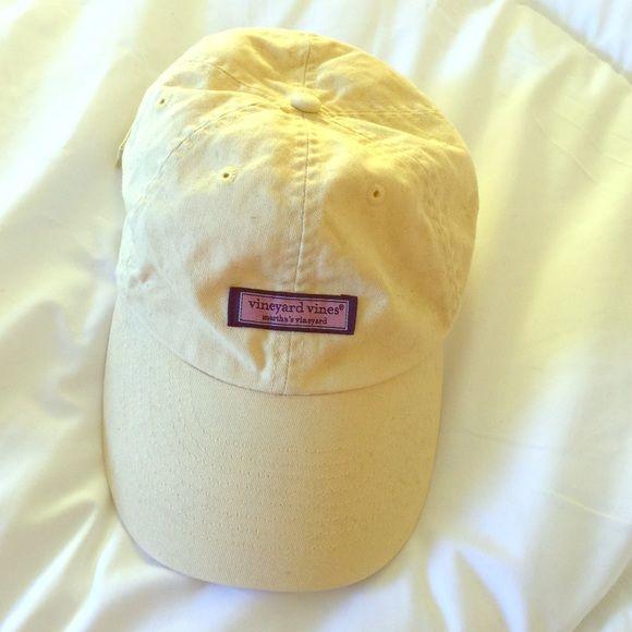 Vineyard Vine Hat Tri-delta yellow vineyard vines hat Vineyard Vines Accessories Hats