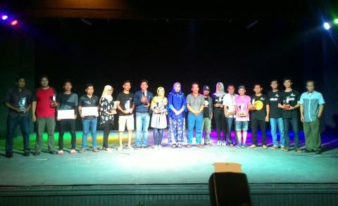 Sanggar Petak Semai Raih Juara Terbaik II Dalam Festival Theater 2016 - Amanah…