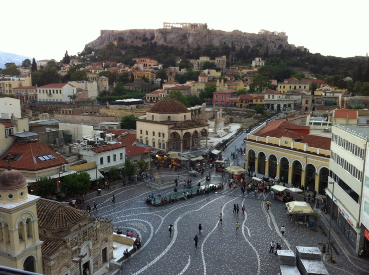 """Monastiraki""  More than 2.500 years around a square"